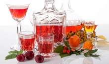 Konsumenci chętniej sięgają po smakowe alkohole o mniejszych pojemnościach. Prawdziwym hitem ostatnich lat są jednak nalewki
