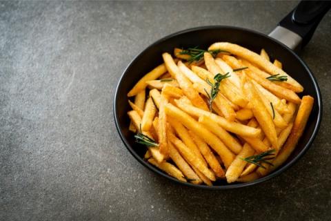 """Belgia: Droższe frytki z powodu… ulew? """"Zły rok dla ziemniaków"""""""