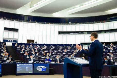 Rezolucja w sprawie Polski. Co oznacza decyzja PE?