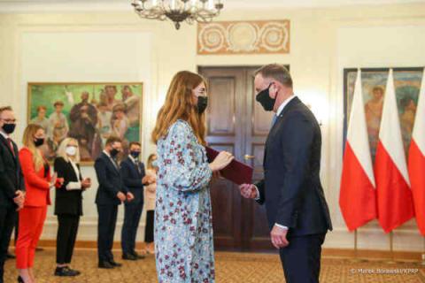 Polska: Szła w Strajkach Kobiet. Andrzej Duda powołał ją do prezydenckiej rady