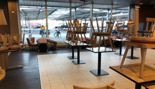 Polska: Otwarcie sklepów i galerii handlowych pozwoli gospodarce złapać oddech. Gastronomia i turystyka muszą czekać na szczepionkę