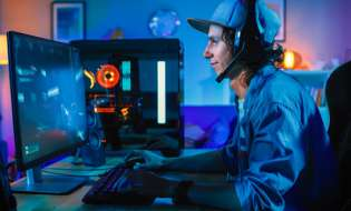 Polska, biznes: Polscy producenci gier komputerowych zyskują podczas pandemii. Koniec roku może być dla branży rekordowy