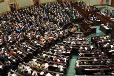 Polska: Gdyby wybory odbyły się w niedzielę, nastąpiłaby zmiana władzy